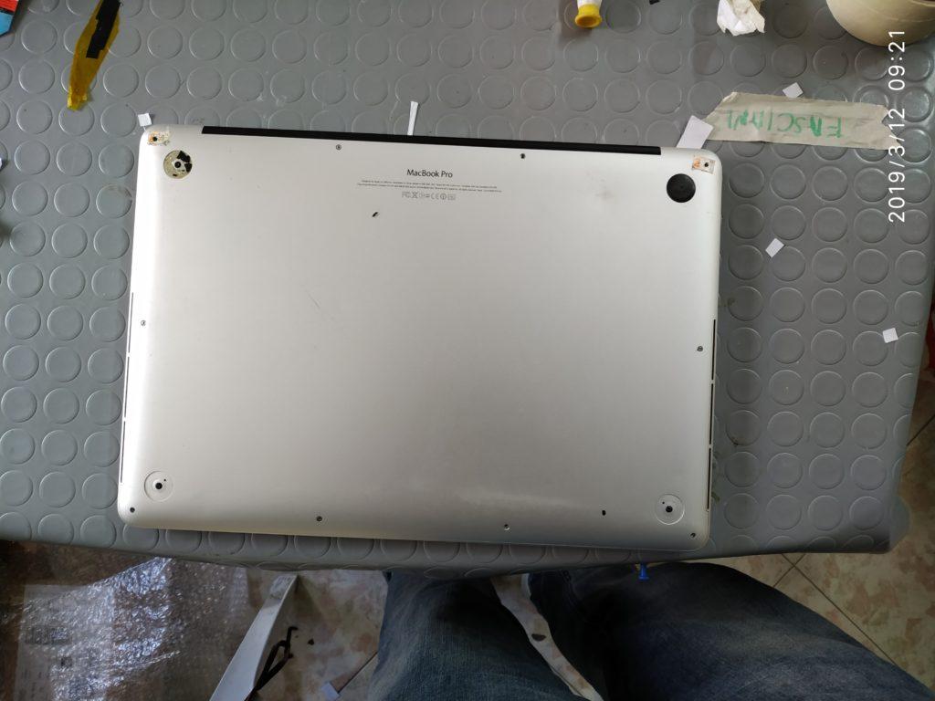 macbook pro a1398 problema circuito di ricarica